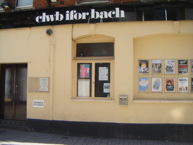 Clewb Ifor Bach