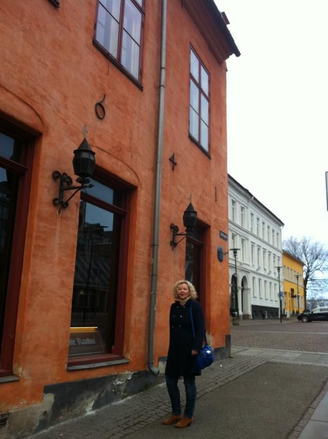 Lowri Cooke yn Oslo